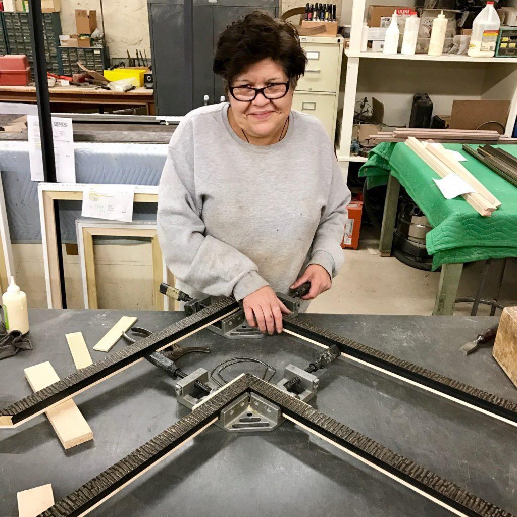 frame joiner sets the corner